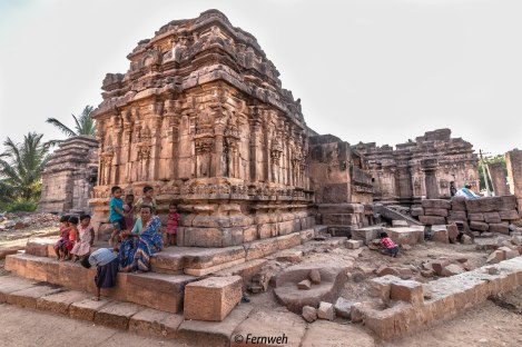 Other derelict temples around Virupaksha temple
